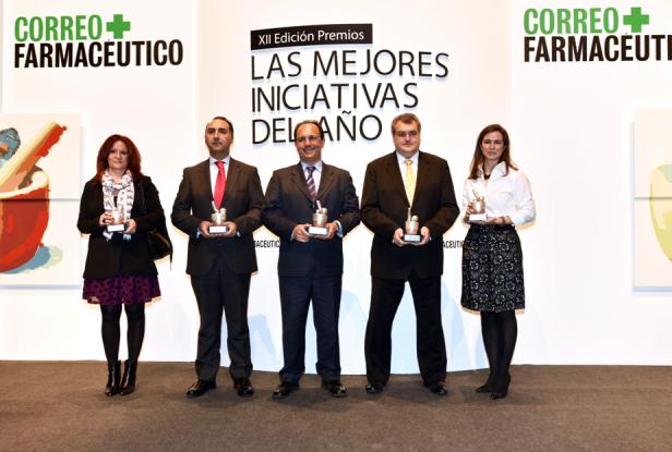 Antoni Torres, recibiendo el premio de Correo Farmacéutico