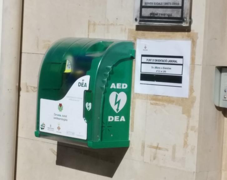 """La iniciativa """"Latidos que suman"""" consigue 20 desfibriladores en nueve localidades españolas"""